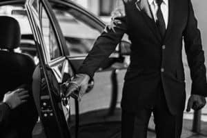 Требования к водителям Wheely-такси. Стоит ли начинать сотрудничество с компанией?