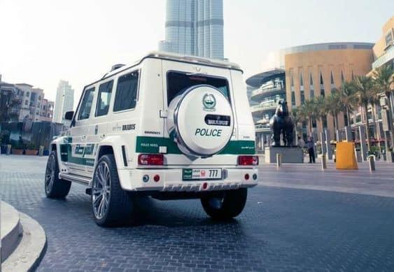 Brabus B63S-700 Widestar белый полиция