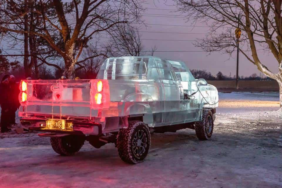 Пикап Canadian Tire изо льда