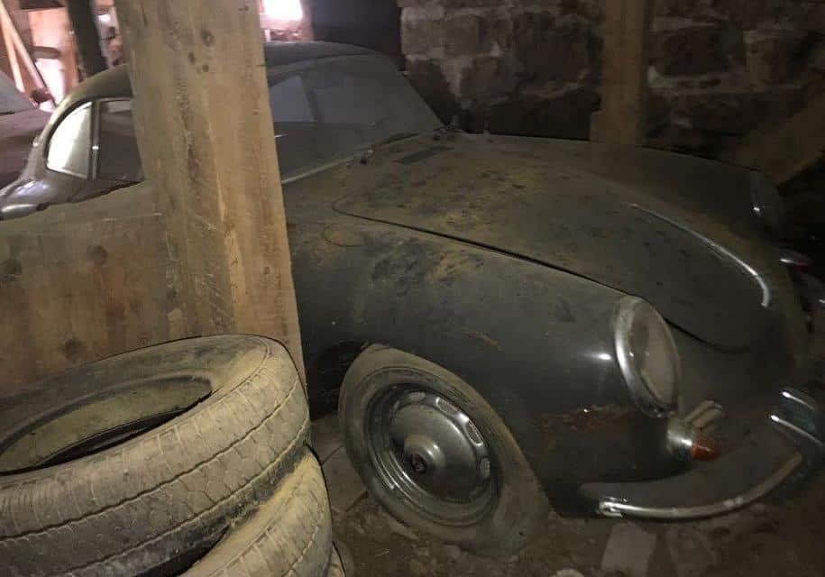 В гараже найден автомобиль Порше фото