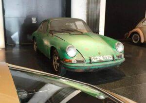 В гараже найден первый автомобиль Порше фото