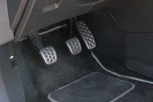 Как правильно пользоваться сцеплением автомобиля