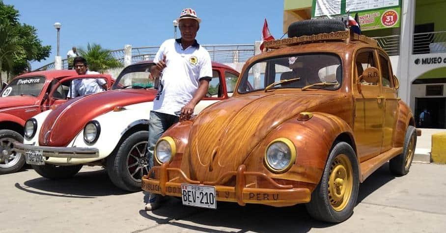 Деревянный Volkswagen жук фот
