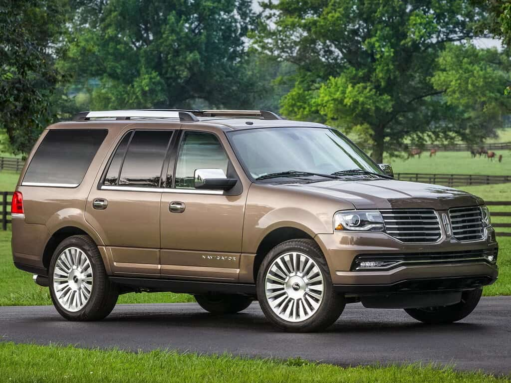 Lincoln Navigator 2015 коричневый фото