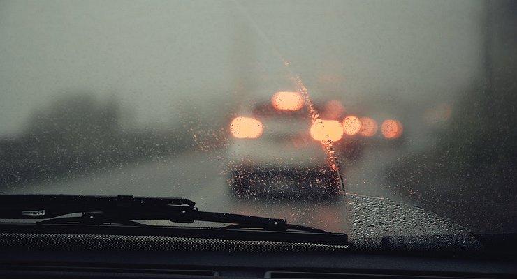 запотевание стекол в автомобиле фото