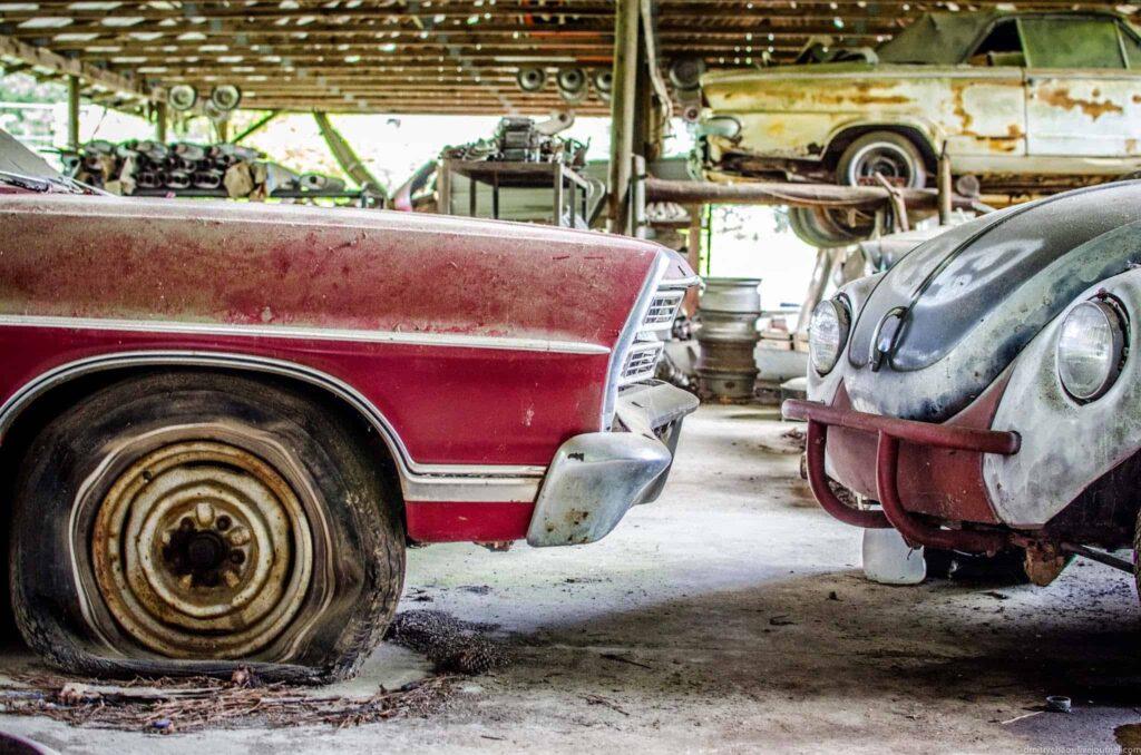 Свалка автомобилей Old Car City фото