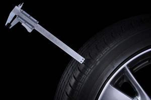 Как определить износ протектора шин