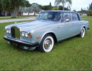 Rolls-Royce Silver Shadow серебряный