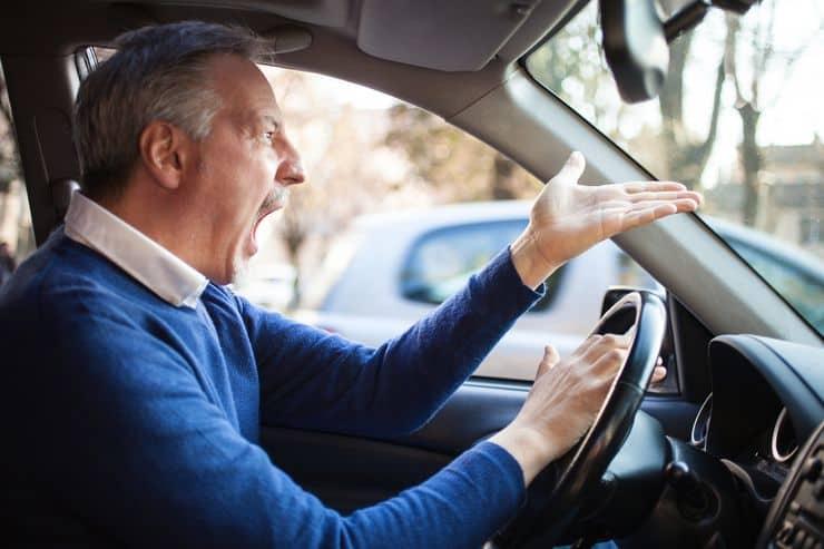 Как избежать драки на дороге фото