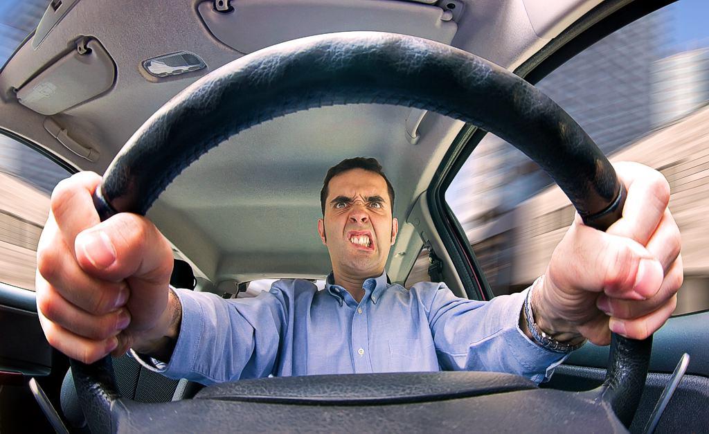 Как избежать драки на дороге за рулем фото