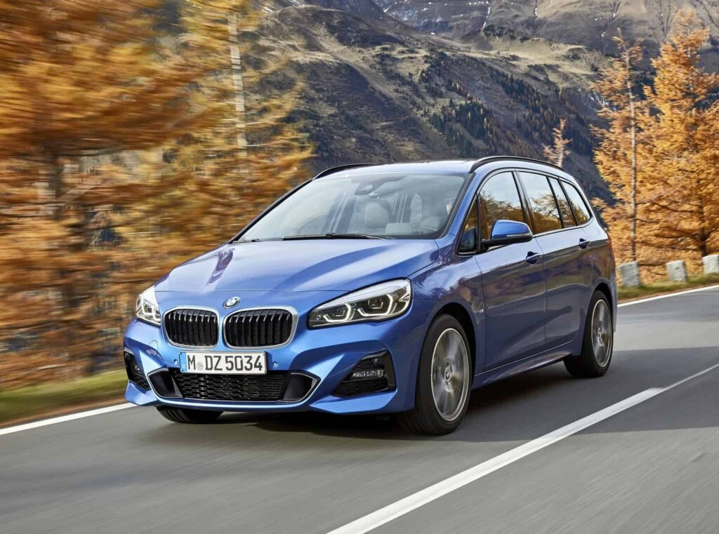 BMW 2-Series Active Tourer машина фото