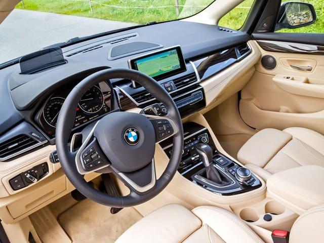BMW 2-Series Active Tourer внутри фото
