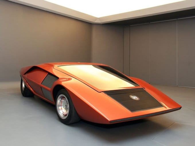 Первый настоящий суперкар Lancia Stratos Zero фото
