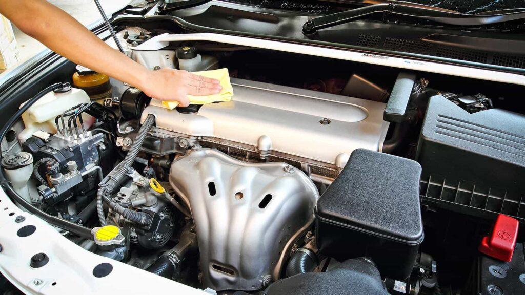 Как самостоятельно помыть двигатель автомобиля фото