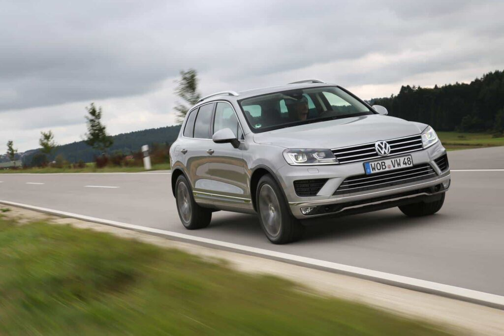 Volkswagen Touareg 2015 машина фото