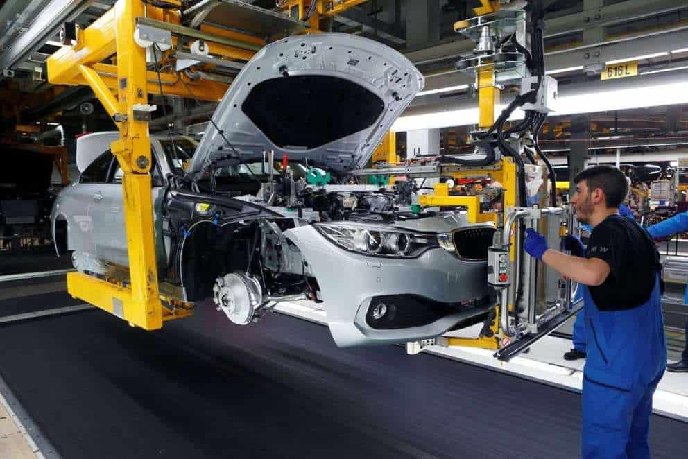 отверточная сборка автомобилей на заводе фото