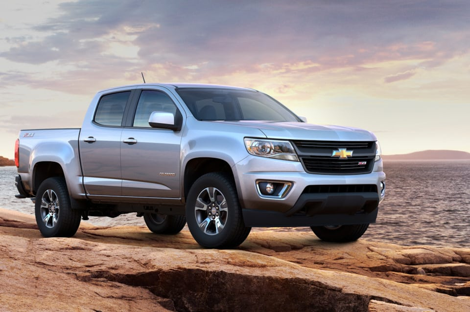 Chevrolet Colorado 2015 серый фото