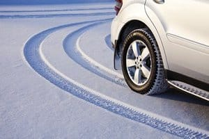 Правила вождения автомобиля зимой