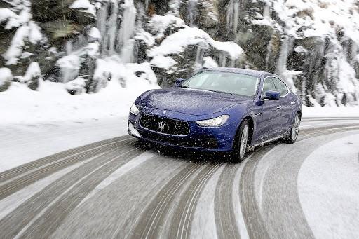вождение авто зимой фото