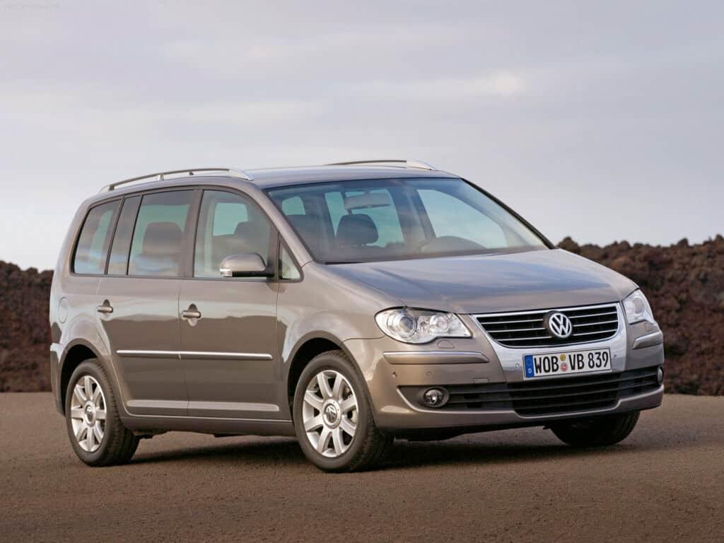 Volkswagen Touran 2016 машина фото