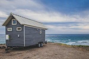 Деревянный дом на колёсах Monarch Tiny Homes