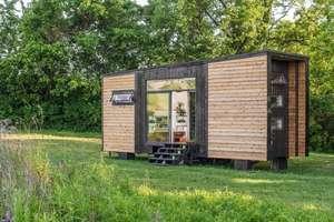Универсальный дом на колёсах Alpha Tiny Home