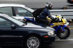 Почему автомобилисты ненавидят мотоциклистов