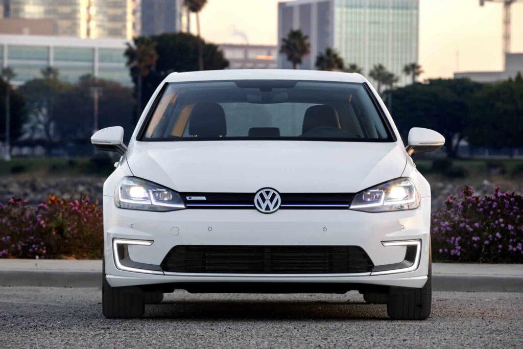 Volkswagen Golf 2017 авто