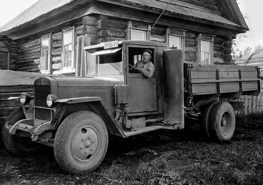 автомобиль работает на дровах