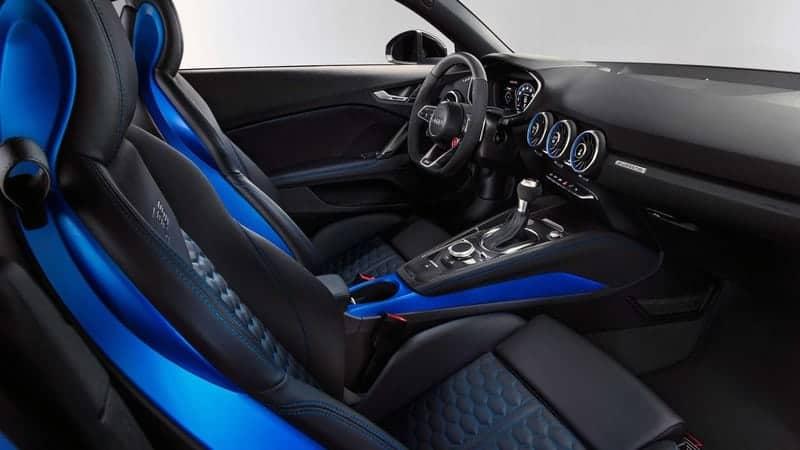 Audi TT RS салон