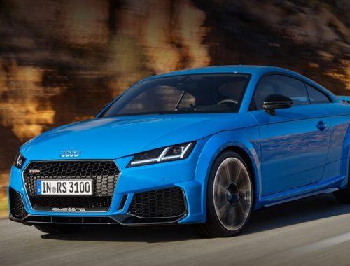 Audi TT RS синий