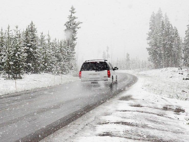 Самые распространенные ошибки на зимней дороге фото