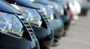 машины на парковке фото
