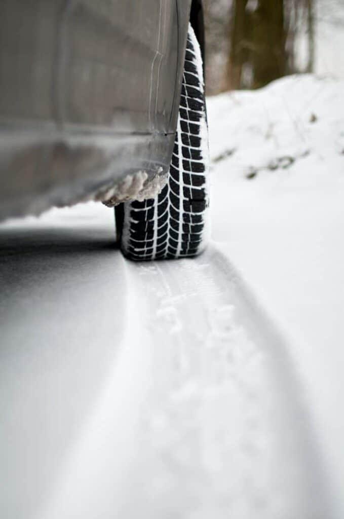 шина машины зимой фото