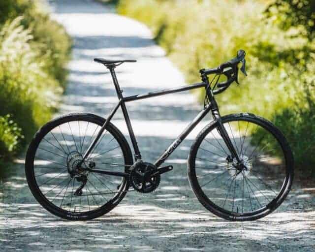 велосипед в городе фото