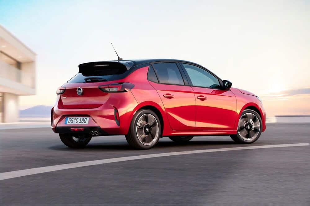 Opel Corsa красный фото